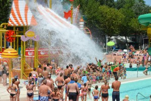 Water fun with the Mini Club animators at Spiaggia e Mare Holiday Park, Italy