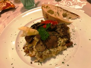Fine dining at Pizzeria des Alpes in Cavalese