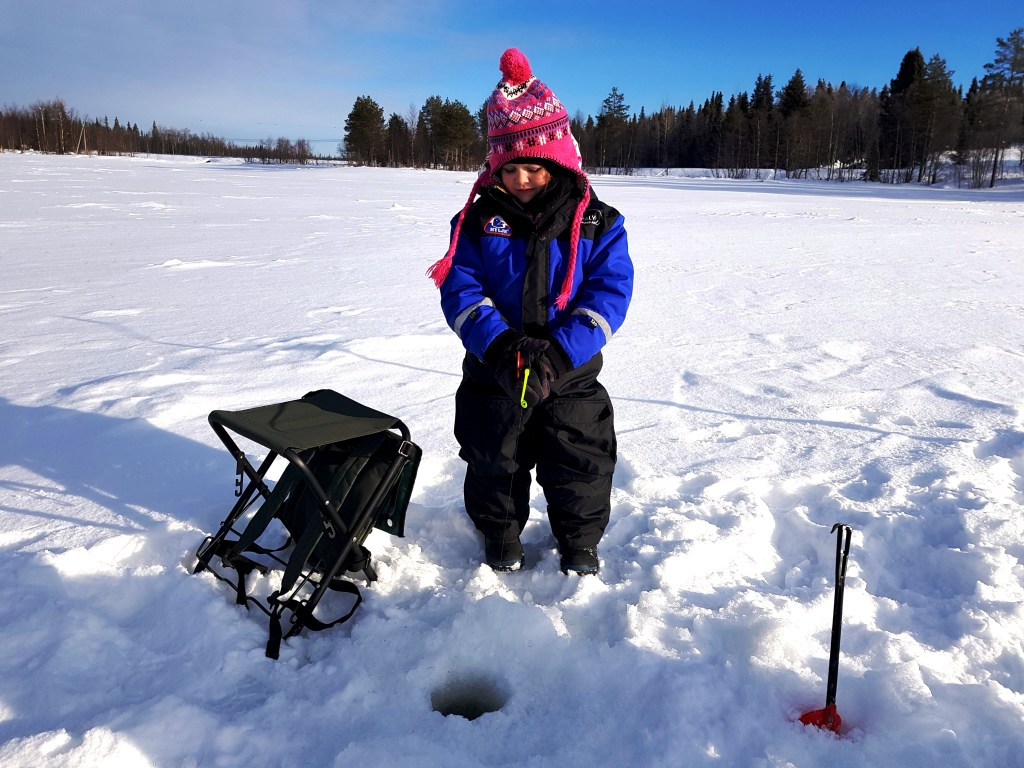 Ice Fishing excursion with Rukapalvelu Safarihouse in Ruka