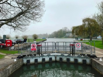 Cleeve Lock on the River Thames