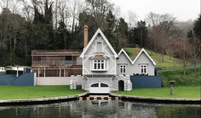 Beautiful home on the River Thames
