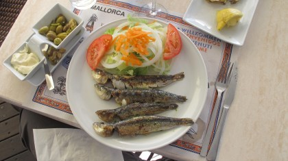 The real thing, salad of grilled Sardines harbor side Port de Soller