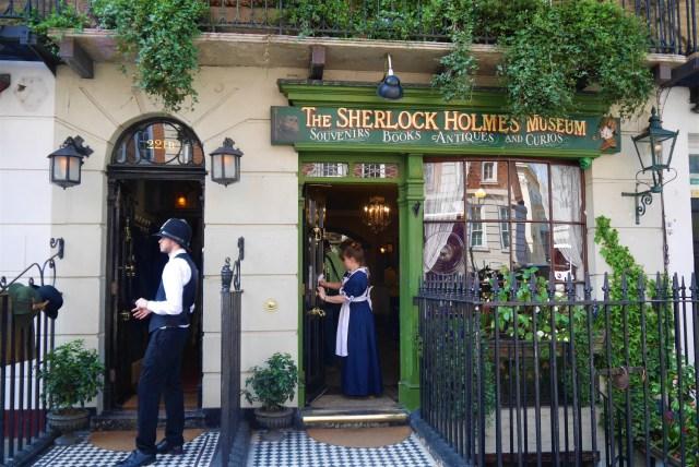 221B Baket Street Sherlock Holmes Arpenter le chemin