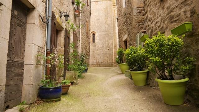 Aveyron Sainte eulalie de cernon blog voyage arpenter le chemin Millau