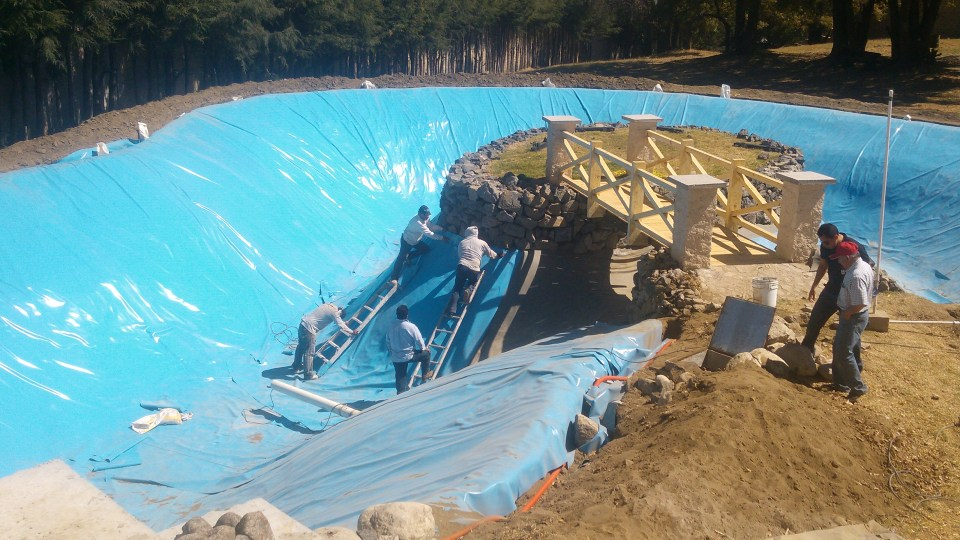 Lago Artificial con GMB de PVC