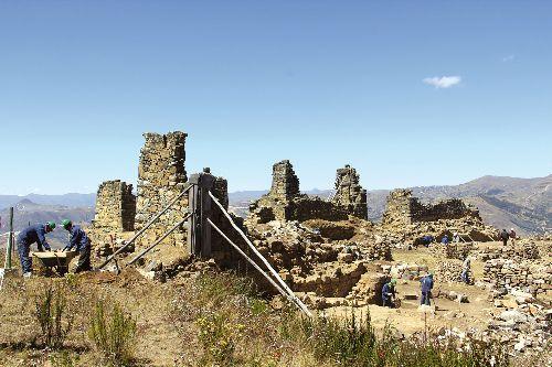 Torres de Marcahuamachuco habrían sido mausoleos para importantes personajes