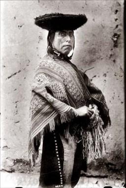 Martin-Chambi-Indigena-Mascando-Coca