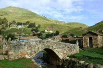 puente_turistico_de_sacsamarca