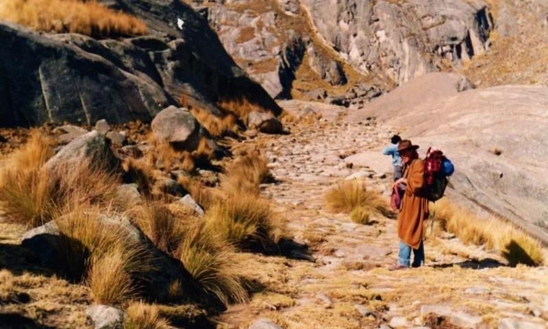 Pachacamac y Pariacaca: Interacción de Sacralidad y Poder Político