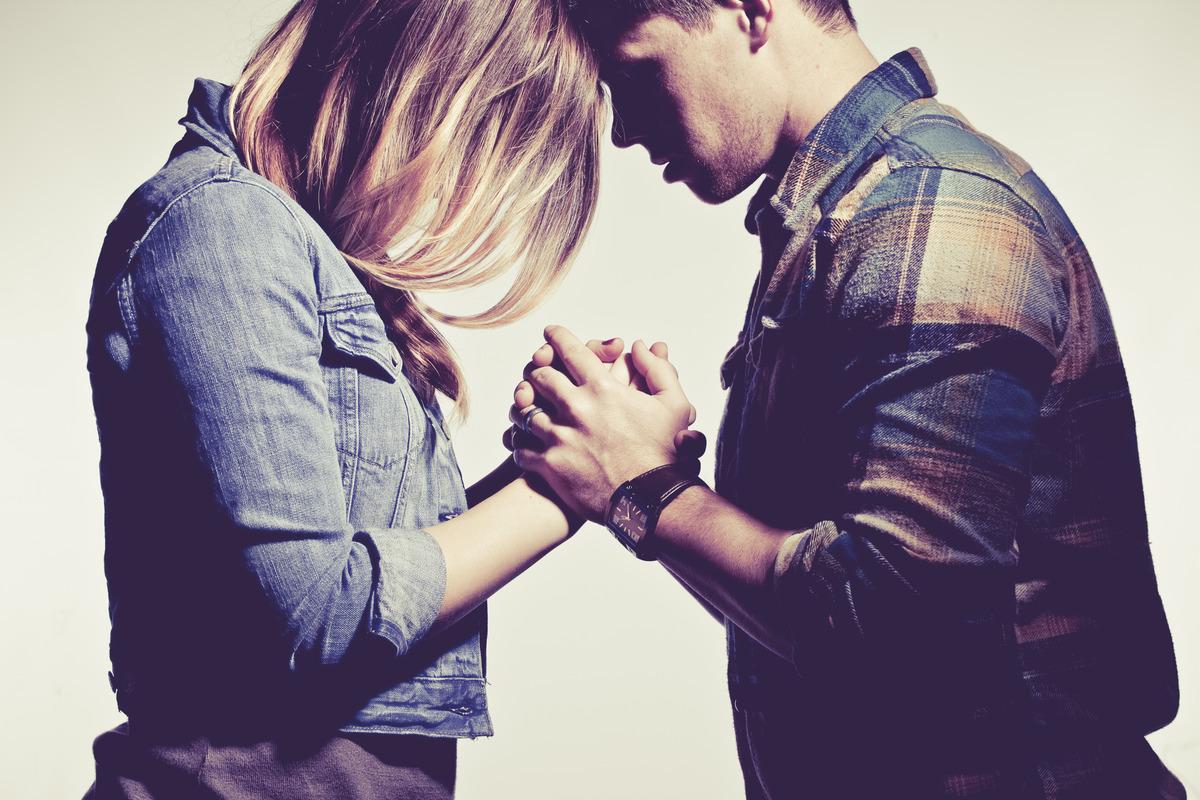 Resultado de imagem para casal orando