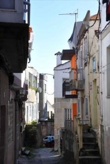 casa-naranja-ojos-claraboyas-fachada-cangas-arquitecto-arquitectura