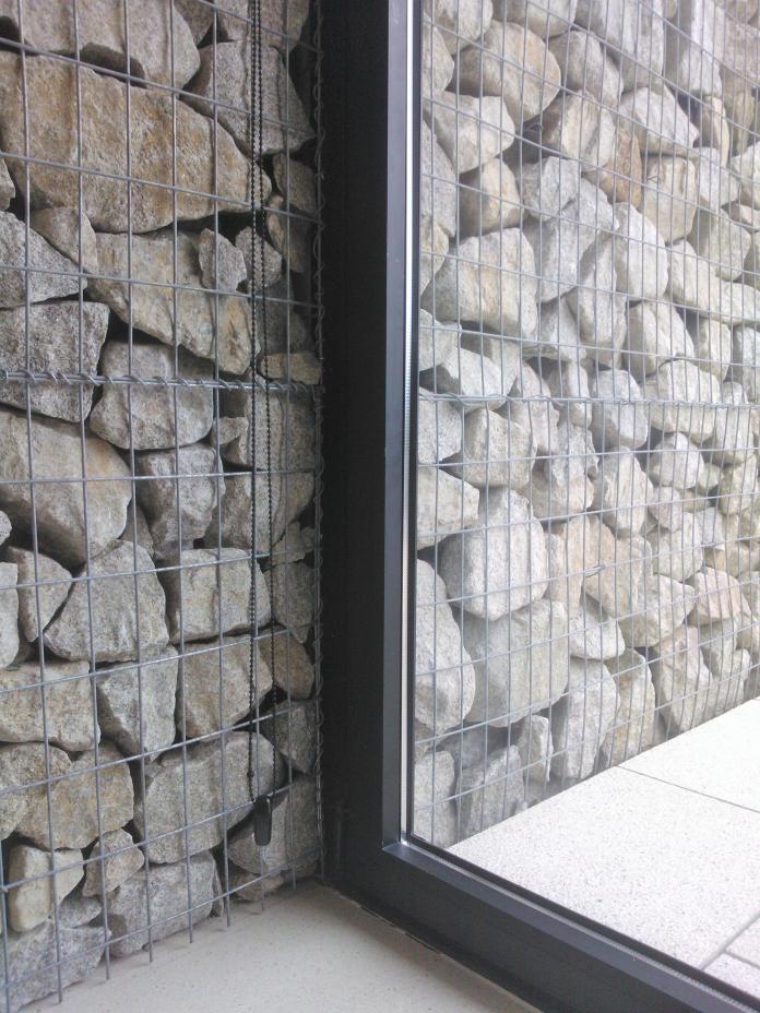 arquitecto-porto-beluso-bueu-detalle-ventana-carpinteria-gaviones