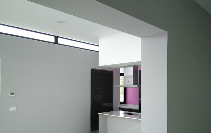 interior-contemporaneo-sala-cocina-vivienda-casa-moderna-vigo-arquitecto-voladizos