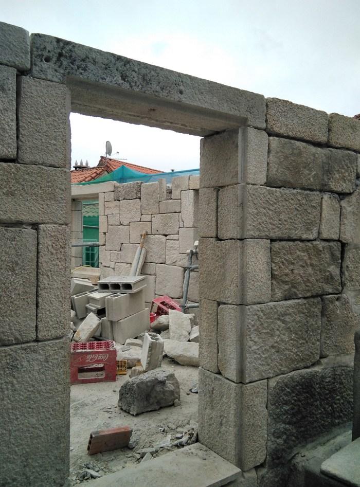 rehabilitacion-y-conversion-de-dos-casas-en-una-vivienda-en-combarro-poio-arquitecto