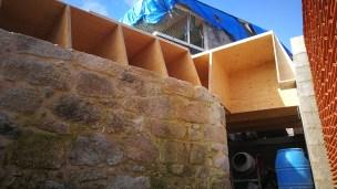 rehabilitacion-moana-casa-arquitecto-obra-estudio-de-arquitectura-vigo-piedra-madera-lvl-kerto-microlaminada-teja-bloque-curras-torres