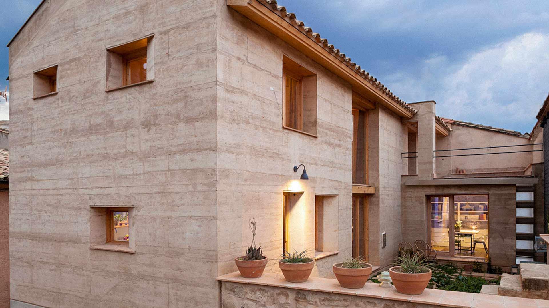 Casa de tapial edra estudio de arquitectura - Casas de materiales ...
