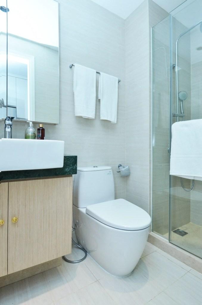 Diseño de mueble crema para baño