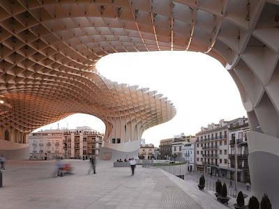 Metropol-Parasol-a-maior-estrutura-de-madeira-do-mundo-arquitete-suas-ideias-02