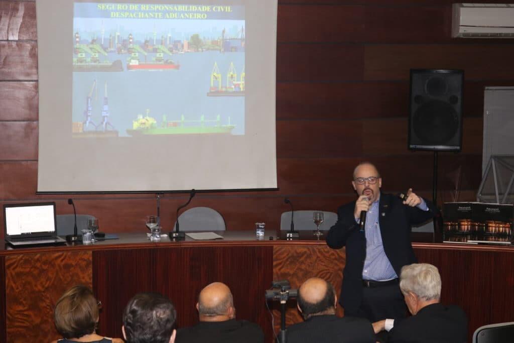 Despachantes Aduaneiros participam de palestra voltada à atualização de conhecimentos do setor 2