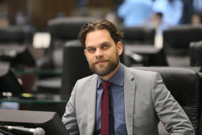 Deputados Requião Filho, Goura e Galo falam sobre projeto de revisão de lei da Ilha do Mel 3