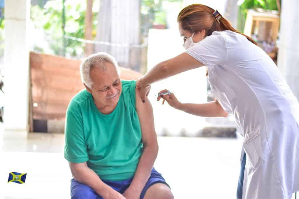 Guaratuba inicia vacinação de idosos com mais de 90 anos 6