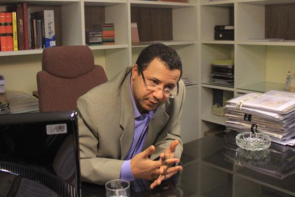 O Procurador do Trabalho, José Diniz de Morais afirma que os jogadores de futebol não podem ser tratados como trabalhadores normais