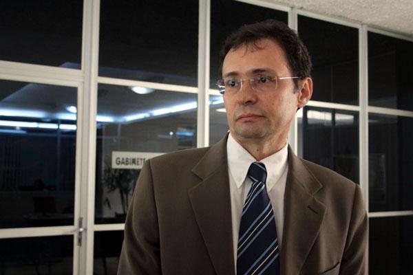 Juiz Antônio Carneiro fará novas audiências para tentar um acordo