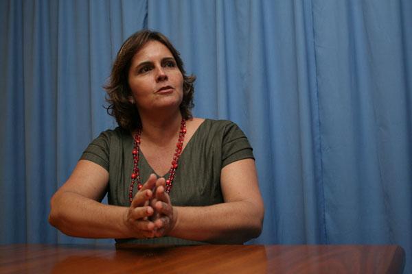 Cláudia Regina: reunião com assessores após vitória no TRE