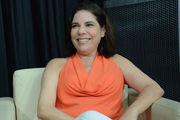 Alexandra Ullmann é autora de livros e artigos sobre o tema, além de fazer parte do corpo docente do curso de pós-graduação da UniverCidade