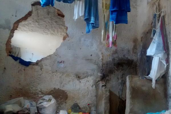 Seis das nove celas do CDP da Ribeira foram destruídas durante o motim desta segunda-feira