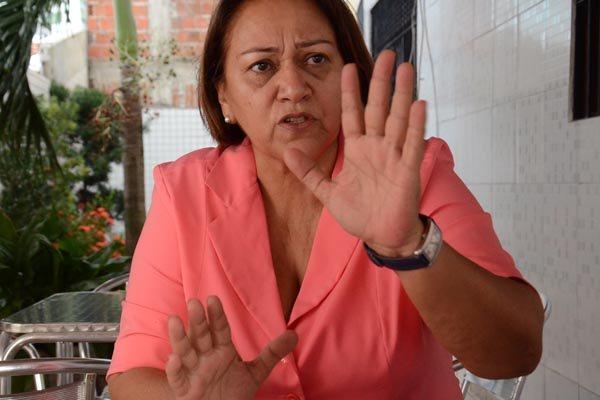 Fátima Bezerra tomou a decisão de entregar os cargos que tinha indicado ao governo do Estado