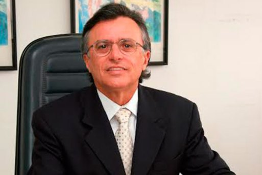 Resultado de imagem para Desembargador aposentado Francisco Barros