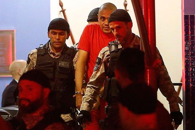 Adélio foi preso logo após dar a facada no candidato