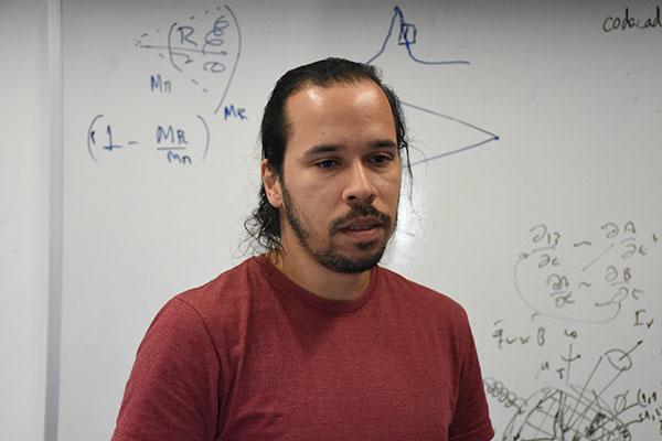 Leandro Almeida, doutorando do Programa de Pós-Graduação em Física da UFRN