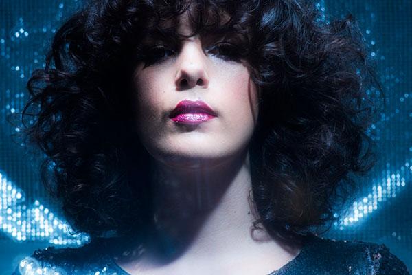 Cantora Céu traz músicas do seu disco Tropix(2016) e novidades
