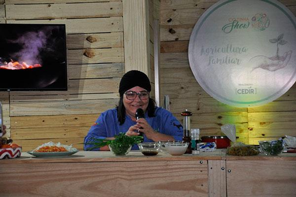 Adriana Lucena abre o festival com o tema Identidade cultural