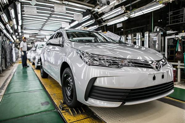 Toyota Corolla, uma história de sucesso, prestígio e muita confiabilidade por parte do mercado brasileiro, graças as suas qualidades