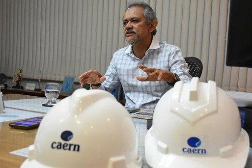 Roberto Linhares informou que a Caern tem cerca de R$ 525 milhões acumulados para receber de grandes devedores. Metade do valor (R$ 274 milhões) é dívida pública e o restante, R$ 250,9 milhões, do setor privado