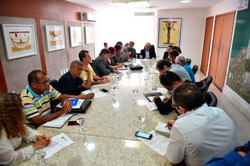 Fórum dos Servidores e área econômica do Governo se reuniram ontem. Sem acordo, haverá nova reunião na segunda-feira (8)