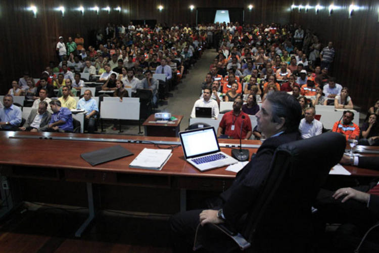 Audiência reuniu trabalhadores do setor e promotores não pouparam críticas ao serviço de limpeza urbana de Natal