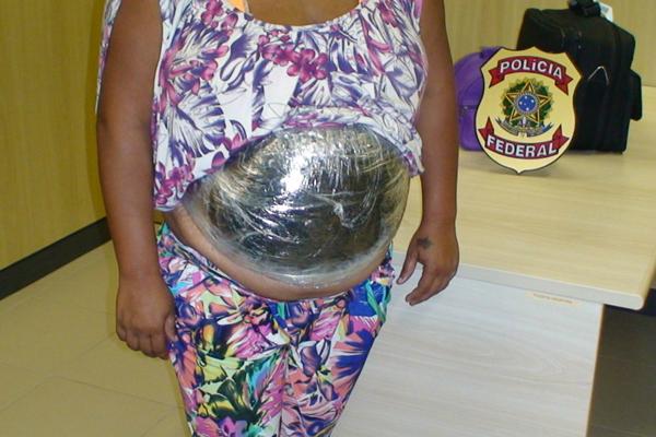 PF prende mulher portando cocaína no aeroporto Augusto Severo