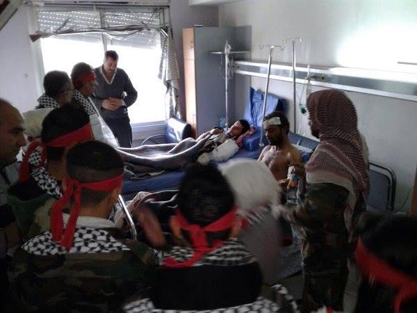 Dukung Pemerintah, Remaja Suriah Kunjungi Rumah Sakit Militer Dengan Karangan Bunga1