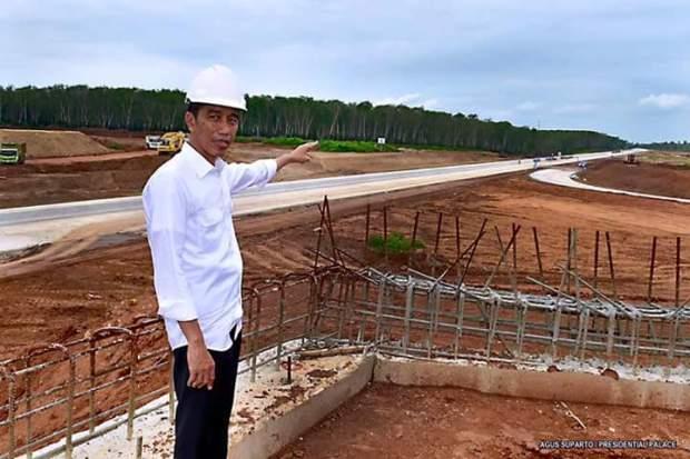 Jokowi Tinjau Tol Lampung 3