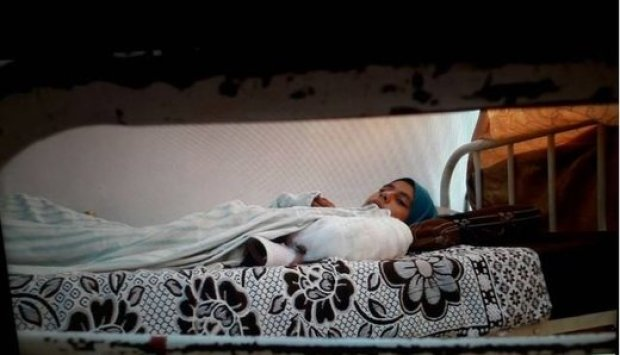 Faten_Terbaring_di_Rumah_Sakit_Aleppo