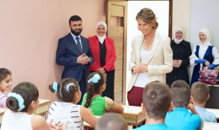 Putra-putri pejuang Suriah bertemu Asma Assad