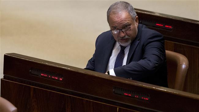 Lieberman Sebut Anggota Parlemen Arab Israel Penjahat Perang