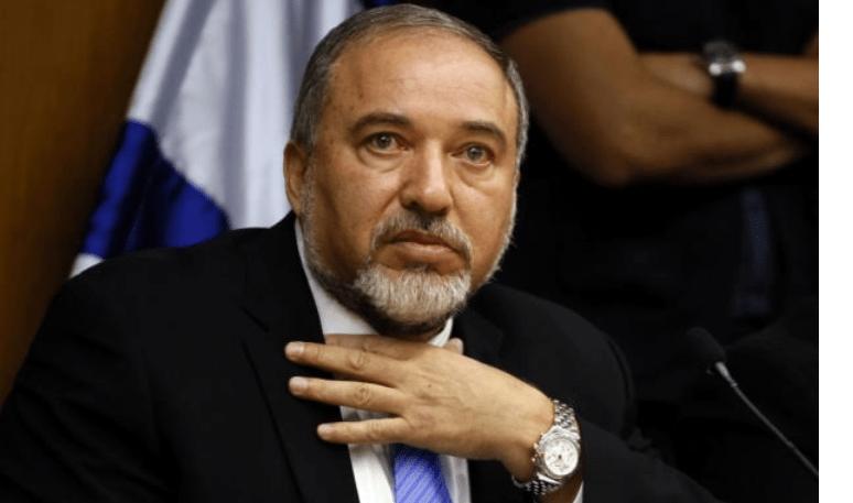 Lieberman Mundur, Israel Terperosok dalam Krisis
