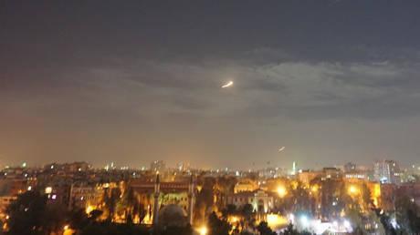 Zarif: Serangan Israel di Suriah Dapat Memantik Perang dengan Iran