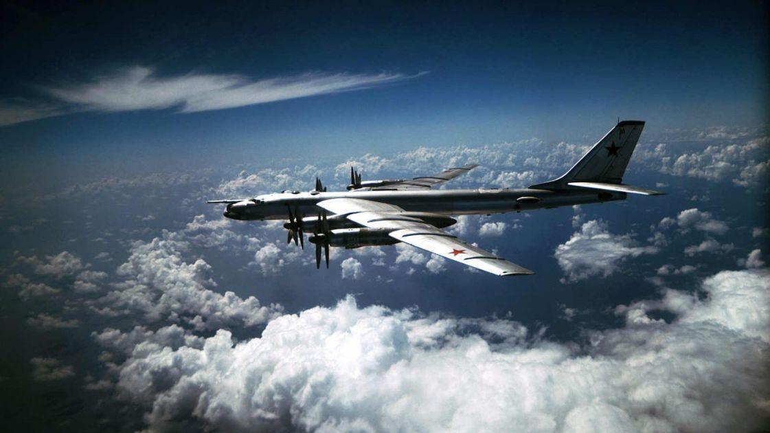 pembom-strategis-Rusia-lakukan-serangan-rudal