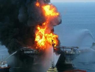 Kapal Tanker terbakar di Laut Oman